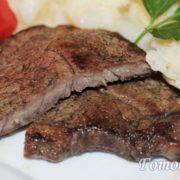 Как приготовить стейк из говядины на скороде в домашних условиях